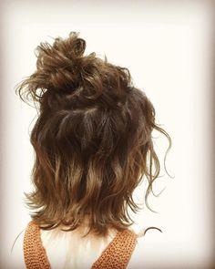 ハーフアップお団子後ろ見 . . #ハーフアップお団子#ハーフアップ#ヘアアレンジ#なみなみウェーブ #ヘアメイクアージュ #アージュエクラ #レセプション募集#美容師募集 #ネイリスト募集#天神美容室 Hair Arrange, Dreadlocks, Hair Styles, Beauty, Hair Plait Styles, Hair Makeup, Hairdos, Haircut Styles, Dreads