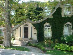 Aberdeen Section of Hamilton, Ontario, Canada. Old Victorian Brick Homes.