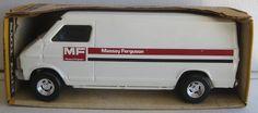 Ertl Van Dodge MF 1/16 scale
