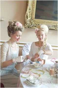 Big girls playing dress up. Marie Antoinette Versailles, Marie Antoinette, Tea Party Outfits, Afternoon Tea Parties, Shabby Chic, Vintage Tea, High Tea, Eat Cake, Tea Time