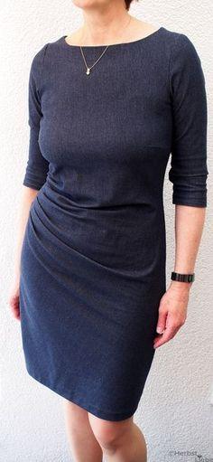 Wie versprochen, zeige ich dir heute Kleid Nr. 1 welches während meines Nähurlaubes entstanden ist. Das Kleid Suzinka nach ...