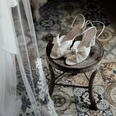 You're getting 2 recommendations for the price of 1, here: Loeffler Randall sandals for your wedding shoes, and the inimitable Zach & Grace behind the camera to capture it all 🤩 Wedding Shoes, Wedding Day, Wedding Stills, Creative Wedding Photography, Loeffler Randall, Sandals, Crafts, Bhs Wedding Shoes, Pi Day Wedding