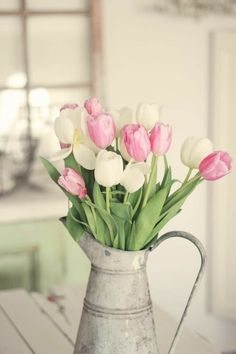 Farmhouse Style Tulip Decor