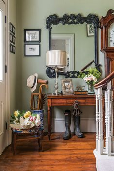English Cottage Interiors, English Cottage Style, English Interior, English Country Style, Classic Interior, English Cottage Kitchens, Cottage Entryway, Interior Design Gallery, Beautiful Interiors