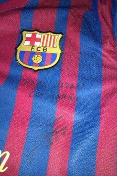 Camiseta de la temporada 2011-12, dedicada a mi, por el mejor jugador del mundo; Leo Messi