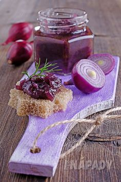 Vyrábíme cibulové čatní | Prima nápady Jam Recipes, Cooking Recipes, Red Onion Jam, Pickled Eggplant, Marmalade Recipe, Best Italian Recipes, Roasted Meat, Recipe Details, Chutney