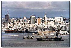 Port of Montevideo, Uruguay Desde acá salimos para Buenos Aires.