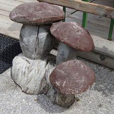Funghi scolpiti nel legno - Altopiano di Razzo (TN)