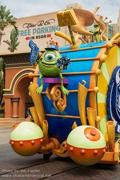 Disneyland Summer 2013 - Monsters University - Mike