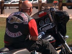 Hells Angels MC: Jury indicts 5 due to violence Biker Clubs, Motorcycle Clubs, Motorcycle Jacket, Biker News, Sons Of Anarchy Samcro, Der Club, Hells Angels, Patches, Image