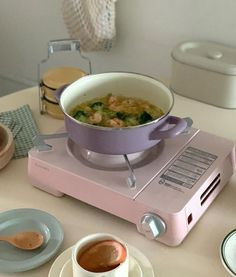 Cute Kitchen, Kitchen Decor, Kitchen Design, Casa Retro, Korean Kitchen, Japanese Kitchen, Deco Studio, Aesthetic Room Decor, Room Ideas Bedroom