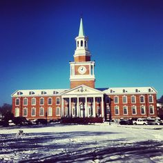 A snowy morning view of Roberts Hall at High Point University.   Pinned from @alexacccrawford