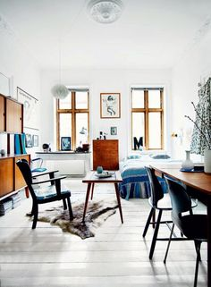 Second-hand dealer and stylist Dede Ingerslev has decorated his house with a beautiful selection...