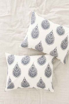 Plum & Bow Cato Henna Duvet Cover - Urban Outfitters
