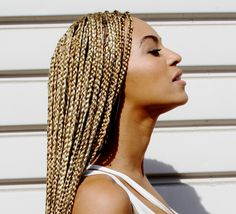 Beyonce Shows Off A New Look (PHOTOS)