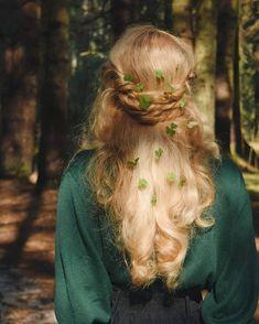 Photography people forest fairytale 45 Ideas for 2019 Old Dress, Character Inspiration, Hair Inspiration, Half Elf, Fantasy Magic, Princess Aesthetic, The Villain, Hair Inspo, Your Hair