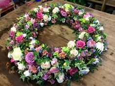 Kranz Funeral Flower Arrangements, Beautiful Flower Arrangements, Funeral Flowers, Floral Arrangements, Beautiful Flowers, Summer Door Wreaths, Easter Wreaths, Holiday Wreaths, Faux Flowers