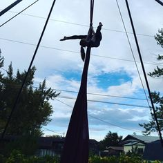 If there is no ground then we are flying. #flexible #circus #aerialist #kairosfitness #silks #sky by mooolyka