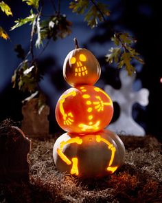 Halloween is just nice and frivolous. If you prefer a cute Halloween decoration, you have to look at it thoroughly. Cute Halloween Decorations, Holidays Halloween, Scary Halloween, Halloween Themes, Halloween Pumpkins, Halloween Crafts, Happy Halloween, Halloween Party, Halloween Scene