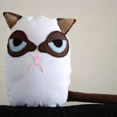 Free Grumpy Cat Sewing Pattern and Tutorial