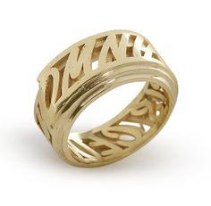 ring _ amor omnia vincit in gold