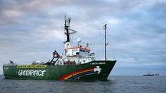 Greenpeace asks Russia to free ship
