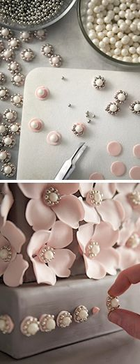 ¿Que tal estos hermosos detalles para tu pastel de bodas?