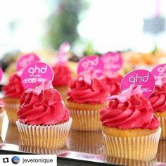 #Repost @jeveronique ・・・ Sta per iniziare la presentazione di #ghdpink, la piastra che sostiene e supporta la Fondazione Umberto Veronesi per il progetto Pink is Good per la prevenzione e la cura del tumore al seno. Ghd ha già raccolto oltre 11.000.000 Euro, ma si punta ancora più in alto. Seguitemi e vi racconterò tutto oltre a mostrarvi la pinkissima piastra.  #ghdpink #pinkisgood #fondazioneumbertoveronesi #ghdbloggerday #hair @ghdhairitalia #pink #sweet #cupcake #cosebelle #cosebuone