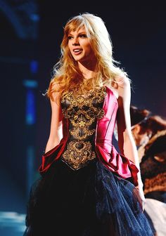 Taylor Swift stage costume -RED Tour