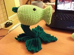 2000 Free Amigurumi Patterns: Pea Shooter (turn into bell sprout?)