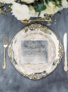 The place settings and calligraphy in gold bring an elegant richness to the palette | itakeyou.co.uk