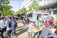 Foodies don't miss the largest Food Truck Festival in Europe during the Iris Festival from May 6 to 8!