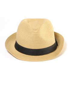 Love this universal hat. Great for the beach or with a casual spring outfit.