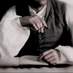 Brad Pitt as Louis de Pointe du Lac, Interview With The Vampire, 1994 Story Inspiration, Character Inspiration, Dracula, Outlander, The Infernal Devices, Character Aesthetic, Historical Romance, Pride And Prejudice, Cool Stuff