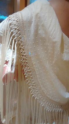 Mantoncillo Flamenco Costume, Silk Shawl, Fashion History, Bridal Style, Costumes, My Style, Crochet, Bridal Fashion, Outfits