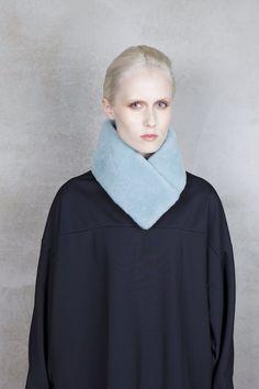 Onar OFRA Black Bleached Aqua Merino Shearling Collar