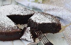 TORTA AL CIOCCOLATO dal cuore cremoso, ricetta dolce al cioccolato fondente, facilissima e con pochi ingredienti,ricetta dolce al cioccolato