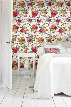 Pip Studio Chinese Rose wallpaper off white Bedroom Wallpaper Flowers, Wallpaper Off White, Rose Wallpaper, Trendy Wallpaper, Pip Studio, Hand Painted Furniture, Funky Furniture, Vintage Floral Wallpapers, Designer Wallpaper