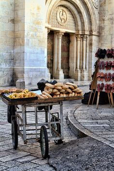 Bread Cart - Old City~we've seen so many of these! And they smell so good running by...
