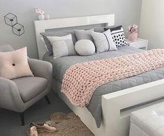 Imagen de baby pink, bedroom, and interior Pink And Grey Room, Pink Gray Bedroom, Light Pink Bedrooms, Pink Bedroom Decor, Bedroom Decor For Teen Girls, Cute Bedroom Ideas, Room Ideas Bedroom, Gray Bedding, Pink Grey