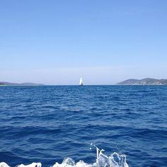 #openwater #sea #oceanview #sailboat #aqua #bluesky #summer #sun #hvar #croatia #visithvar #vacation by tina_zpunkt