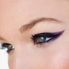 """This eye look is is called """"wedge liner"""" – Use Pure Color Shadow Paint to get the look."""