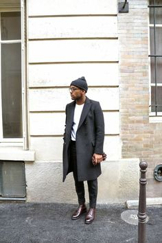 Trends in men& long coats in 48 photos! - how to look stylish with a mid-length gray coat for men who love fashion - Stylish Mens Fashion, Look Fashion, Winter Fashion, Fashion Coat, Fashion Blogs, Cheap Fashion, Womens Fashion, Oversized Mantel, Outfits Casual