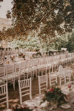 decoracion boda, wedding decoration, centro de mesa, centerpiece, mesas largas, large tables | Photo by Pablo Laguia