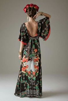Florals on black, kimono sleeves