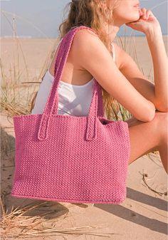 Prolongez vos vacances en réalisant ce sac cabas à crocheter en fil Natura Just Cotton DMC qui vous accompagnera lors de vos achats pour la rentrée ...