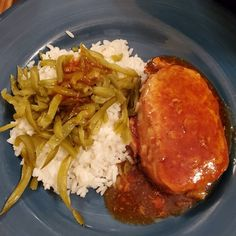 Advertisements This is an easy and delicious pork chop recipe you can throw into a slow cooker and forget about until it is ready. Delicious with a side of veggies… Slow Cooker Recipes, Crockpot Recipes, Cooking Recipes, Freezer Recipes, Freezer Cooking, Drink Recipes, Yummy Recipes, Cooking Tips