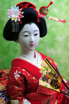 Japanese doll, Nihon Ningyo 日本人形 mom had one of these.