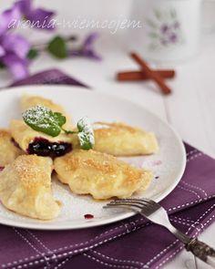 Wiem co jem - Derelye-węgierskie pierogi z dżemem jagodowym
