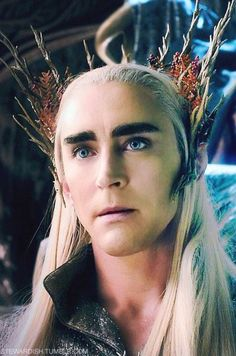 King of the Woodland Realm, Thranduil. (Lee Pace) The Hobbit: Desolation of Smaug Legolas Und Thranduil, Lee Pace Thranduil, Tauriel, The Hobbit Movies, O Hobbit, Mirkwood Elves, Lotr Elves, Elf King, Between Two Worlds
